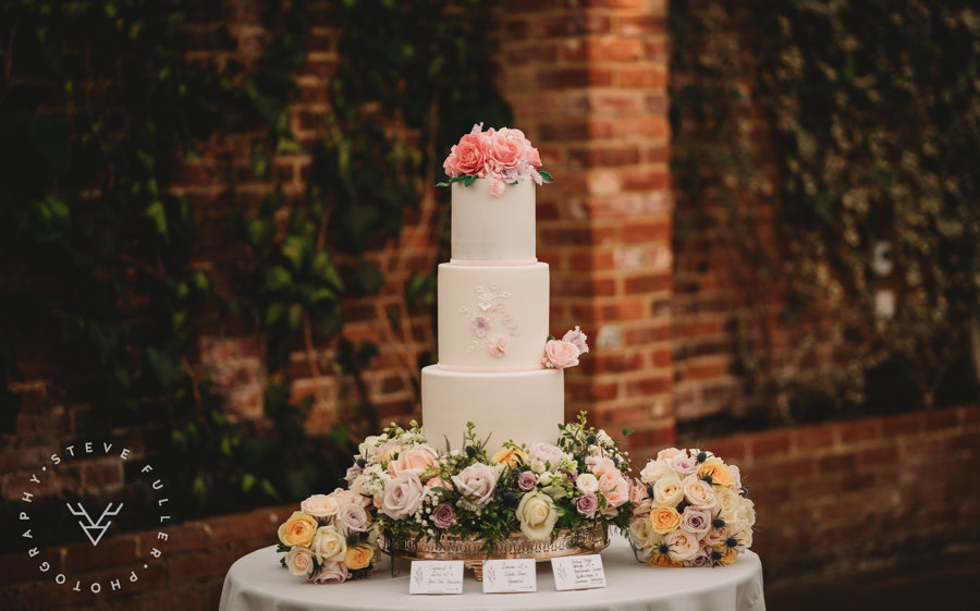Love from lila xx - Northbrook Park Wedding Cake