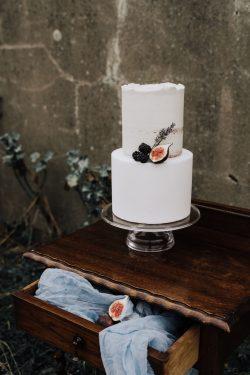 Love from lila xx - Semi-Naked Wedding Cakes