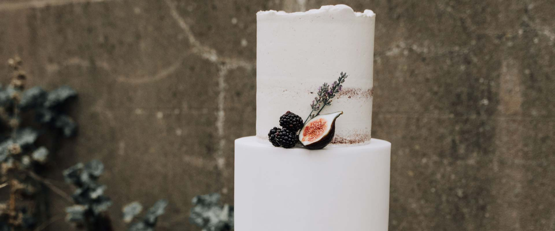 Semi-Naked and Fondant Wedding Cake in Outdoor Venue